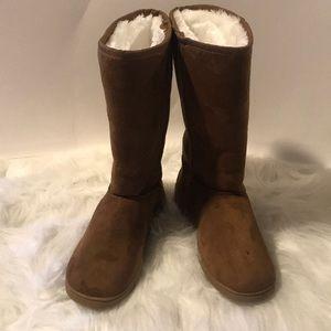 Dawgs boots NWOT